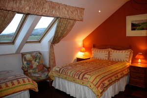 Dingle Bed and Breakfast - Family Room at the Old Pier
